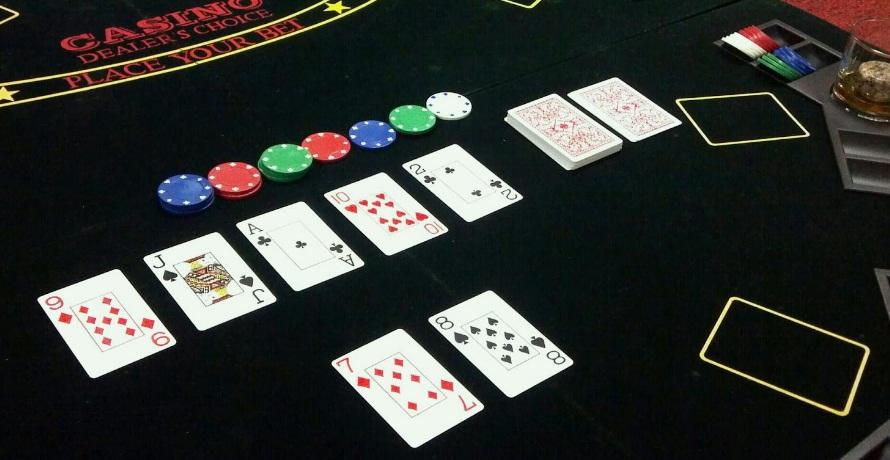 8 Syarat Bermain Poker Online